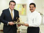 وزير التعليم العالى يزور جامعة الخليج الطبية بالإمارات