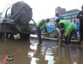شركة صرف صحى القاهرة تدفع بـ75 معدة شفط لإزالة تجمعات مياه الأمطار