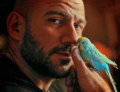 """أحمد مكى يستعد للسفر إلى السعودية لعرض مسرحية """"حزلقوم"""" 5 فبراير"""