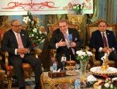الليلة قناة المحور تذيع احتفالية تكريم سفير دولة الإمارات بالقاهرة وإهداءه قلادة جامعة سيناء