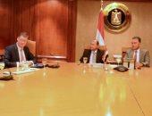 وزيرا الصناعة والنقل يبحثان مع وفد شركة مرسيدس تزويد مصر بالأتوبيسات السريعة
