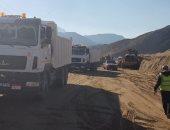 """رفع آثار السيول بطريق """"وادى فيران - سانت كاترين"""" فى جنوب سيناء"""