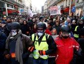 نقابات العمال الفرنسية تنقل معركة المعاشات إلى الشوارع