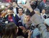 صور.. إنهاء إجراءات الإفراج عن أقدم سجين فى مصر بقرار عفو رئاسى بسوهاج