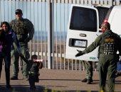 نيويورك تايمز: إدارة ترامب تجمع بيانات الحمض النووى للمهاجرين