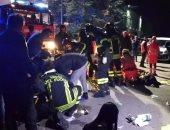 فيديو وصور.. مصرع 6 أشخاص وإصابة العشرات إثر تدافع داخل ملهى ليلى بإيطاليا