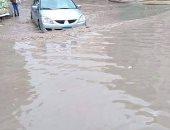 شكوى من غرق شوارع بلطيم بمحافظة دمياط بمياه الأمطار