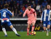 ميسي يتقدم لبرشلونة بالهدف الأول من لدغة رائعة فى اسبانيول.. فيديو