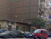 قارئ يشكو من ركن السيارات صف ثانى بشارع رئيسى فى عين شمس