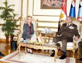 وزير الدفاع يلتقى وزير الأمن الداخلى الأمريكى ويتفقان على زيادة التعاون المشترك