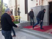 أشرف زكى يشيع جثمان محمود القلعاوي وغياب نجوم الفن