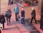 المال الحلال.. شرطة نيويورك تعيد خاتم خطبة لبريطانيين سقط منهما فى بالوعة