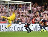جوادالاخارا يقترب من مواجهة الريال في مونديال الأندية بهدف ضد إنتلرز