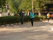 نائب رئيس جامعة أسيوط يشارك فى الماراثون السنوى الثانى ويكرم مبانى الطالبات