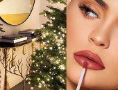 من الشجرة الذهبية إلى طاولة Lip Kit.. هكذا احتفلت كايلى جينر بالكريسماس