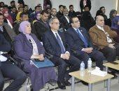 رئيس جامعة قناة السويس يفتتح لقاء الخريجين وسوق العمل الثالث بمشاركة 9 شركات