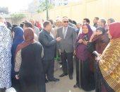 صور.. رئيس جامعة كفر الشيخ يتفقد مركز الفيروسات بالمستشفى الجامعى