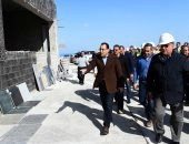 رئيس الوزراء يتفقد عينات تشطيب الأبراج والمنطقة الترفيهية بالعلمين الجديدة