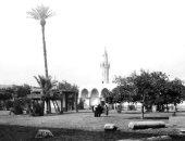 صورة عمرها 100 سنة.. قصة بناء مسجد عمرو بن العاص واحتراقه وإعادة إنشاءه