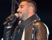 محمد الشرنوبى يطرب جمهوره فى حفل الكريسماس بالقاهرة الجديدة