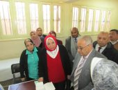 """رئيس """"التأمين الصحى"""" تتفقد حملة 100 مليون صحة بإحدى مدارس الإسكندرية.. صور"""
