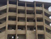 صور..قارىء يشكو من توقف أعمال تشطيب مبنى بمدرسة بقنا منذ عام 2011