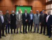 رئيس جامعة المنوفية يلتقى بوفد من وزارة المالية