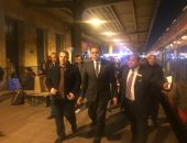 وزير النقل فى جولة تفقدية مفاجئة منتصف الليل بمحطة مصر برمسيس