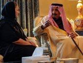 الملك سلمان يعزى ابنة شقيقه الأمير طلال بن عبد العزيز فى وفاة والدها