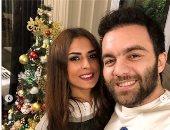 شريف رمزى يحتفل مع زوجته بالكريسماس.. صور