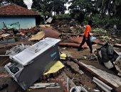 تواصل أعمال رفع أنقاض تسونامى إندونيسيا وحصيلة الضحايا تقفز إلى 429