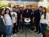 شاهد احتفال أصدقاء عمرو يوسف بعيد ميلاده داخل الجيم.. فيديو وصور