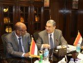 محمد شاكر يبحث مع وزير الرى والكهرباء السودانى مشروع الربط الكهربائى مع الخرطوم