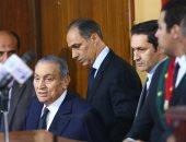 5 لقطات فى الجلسة الأولى لشهادة مبارك فى قضية اقتحام السجون