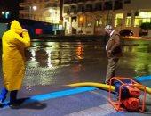 صور.. إزالة تجمعات مياه الأمطار من شوارع مطروح