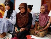 صور.. آلاف المشرّدين يفترشون ملاجئ الإغاثة جراء تسونامى إندونيسيا