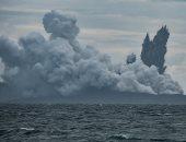 """صور.. استمرار الانفجارات فى بركان """"كراكاتاو"""" بإندونيسيا"""