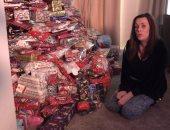 """""""ايه ده كله"""".. أم تشترى مئات الهدايا لأطفالها الـ3 فى عيد الميلاد كل عام"""