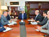 وزير التنمية المحلية يجتمع بنواب محافظة القاهرة لاستعراض الخطة الاستثمارية