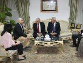 محافظ جنوب سيناء يلتقى سفير طاجيكستان بمدينة شرم الشيخ