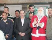 صور.. بابا نويل يزور الأطفال المرضى بالشرقية
