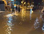 قارئ يشكو من غرق شارع عزبة الوالدة بحلوان بسبب كسر ماسورة مياه