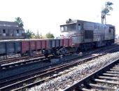 حبس 3 عاطلين سرقوا أجزاء من جرار قطار متوقف بالعياط