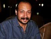 الفنان محمد ثروت يعلن وفاة حماته بعد ساعات من إصابتها بجلطة فى المخ
