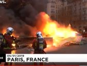 حرق مركبات الشرطة الفرنسية خلال مظاهرات السترات الصفراء