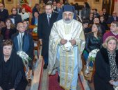 محافظ الإسكندرية يهنئ الروم الكاثوليك بعيد الميلاد