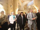 وزيرة الثقافة تتفقد مبنى دار الكتب والعرض المتحفى بصحبة قيادات الوزارة