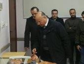 محافظ القاهرة يزور مصابى الشرطة فى انفجار العبوة الناسفة بعزبة الهجانة.. صور