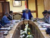 محافظ أسوان يستعرض المخطط التنفيذى لحملات إزالة التعديات
