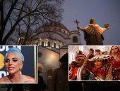 """صور.. العالم هذا الصباح.. الكنائس عامرة بالمصلين حول العالم احتفالا بقداس عيد الميلاد المجيد.. نجوم العالم يزينون السجادة الحمراء فى مهرجان """"جولدن جلوب"""".. حفل زفاف جماعى للهندوس فى كراتشى"""